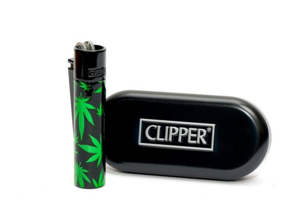Clipper Metal Black with Green Leaves